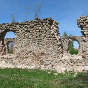 Džūkstes baznīcas drupas