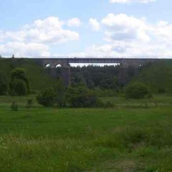 Dzelzceļa tilts pār Raunas upi